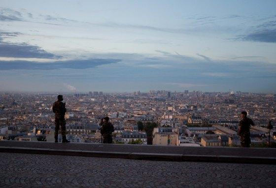 It was reassuring that Paris' finest were patroling the area