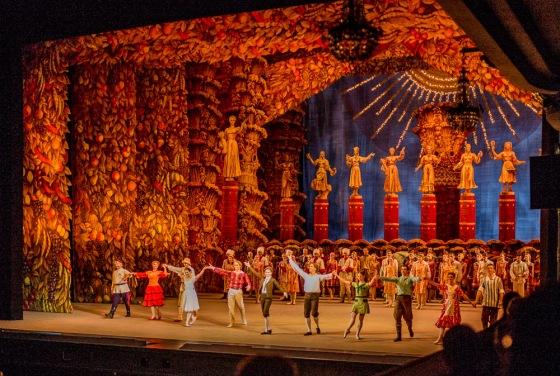 Grand production of Shostakovich's 'TheBright Stream' ballet