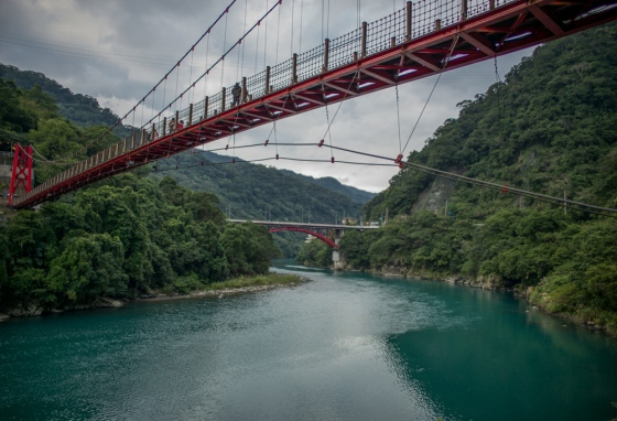 a short drive away was the scenic area of Wulai with this red suspension bridge