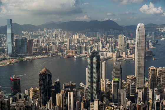 and then this spectacular view of HK Harbour appears....with the bluish ICC Tower on the left and the white IFC building on the right
