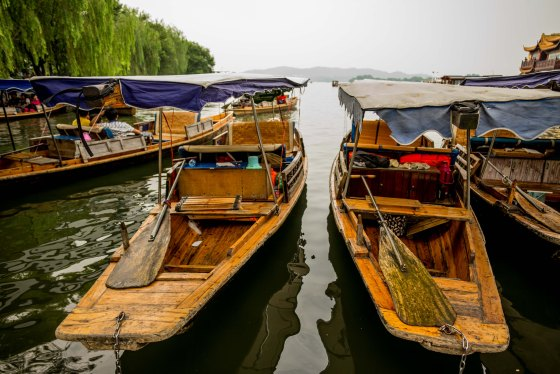 A boat ride around Xihu is not a bad way to see the lake and its surrounding beauty spots...
